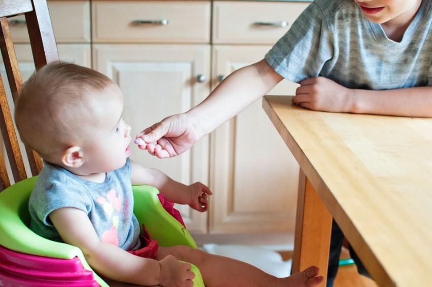 Celiakia nie jest alergią, choć często jest z nią mylona. To choroba, na którą najczęściej zapadają dzieci. Wówczas powinny się wyeliminować z jedzenia gluten.