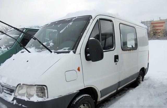 Samochód małej ładowności FIAT DUCATO 10 2,0 JTDIlość:1NR fabryczny:ZFA24400007147209Rok produkcji:2002Cena:2000