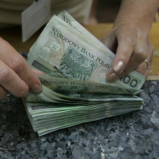 kredyt ma mieszkanie Wszystko wskazuje na to, że od przyszłego roku banki będą skłonne pożyczyć nam więcej niż do tej pory.