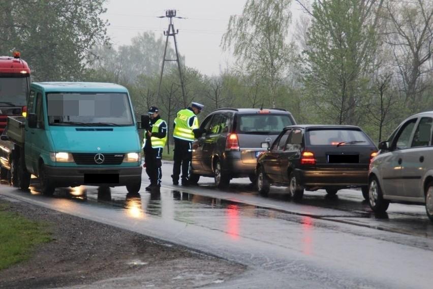 - Działania prowadziło 6 funkcjonariuszy referatu ruchu drogowego i 8 policjantów prewencji.