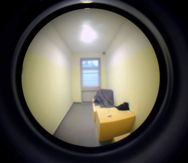 Sprawca rozboju trafił do policyjnej izby zatrzymań.