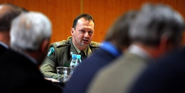 Płk Dominik Tracz, komendant BOSG w Przemyślu, zapewnił przedsiębiorców, że jeszcze w tym roku również na przejściu granicznym w Medyce powstanie tzw. zielony pas.