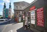 Pacjent spadł ze stołu operacyjnego w poznańskim szpitalu i zmarł po kilku tygodniach. Prokuratura od 4 lat nie wyjaśniła sprawy