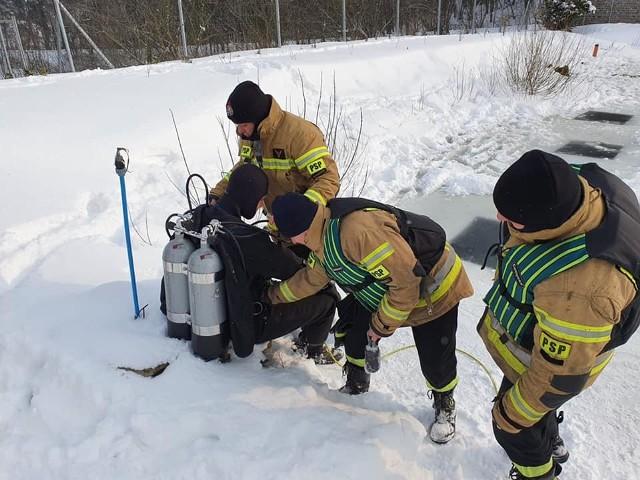 Strażacy, policja, wojsko ponownie dziś (24.02.2021) szukali pana Dariusza z Chełmna. Znaleźli jego ciało w zbiorniku wodnym