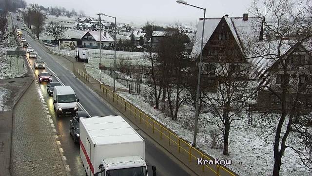 Tak we wtorek (13 kwietnia) o poranku wygląda sytuacja na drogach w Małopolsce.Trasa S7, kierunek Kraków