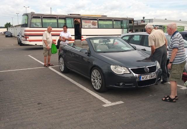 Giełda samochodowa organizowana jest przez Automobilklub Podlaski na terenie Podlaskiego Centrum Rolno-Towarowego SA przy ul. Andersa 40