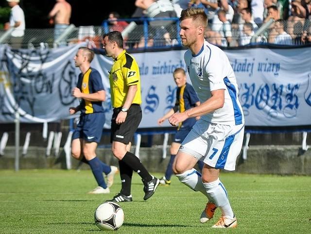 Łukasz Uszalewski (na pierwszym planie) w tym sezonie zagrał wszystkie mecze od pierwszej do ostatniej minuty.
