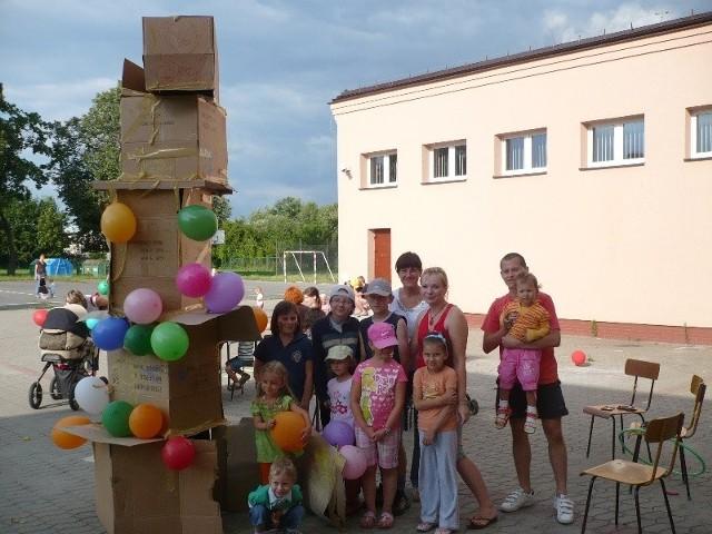 Kilkumetrową wieżę przystrojoną balonikami, która zdobyła największe uznanie wśród uczestników wybudowali młodzi konstruktorzy pod okiem Magdaleny Kowalewskiej.