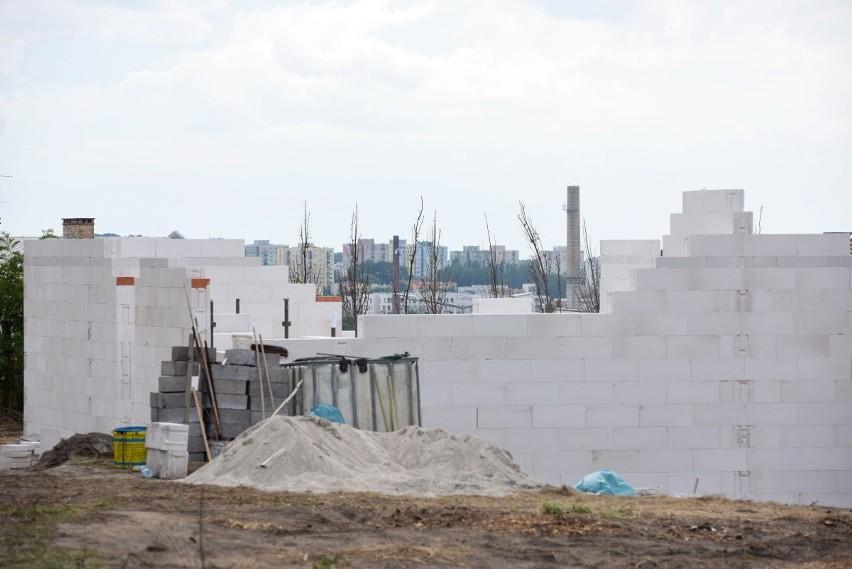 Zielona Góra. Os. Braniborskie. Budowę bloków zablokowano, ale ostatecznie i tak powstaną dwa domy