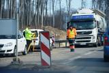 Do Gdańska znacznie szybciej. Remont drogi nr 20 Bytów-Kościerzyna zakończy się przed wakacjami (ZDJĘCIA)