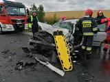 Groźny wypadek w Tucholi. Kierowcy samochodów uwięzieni we wrakach!