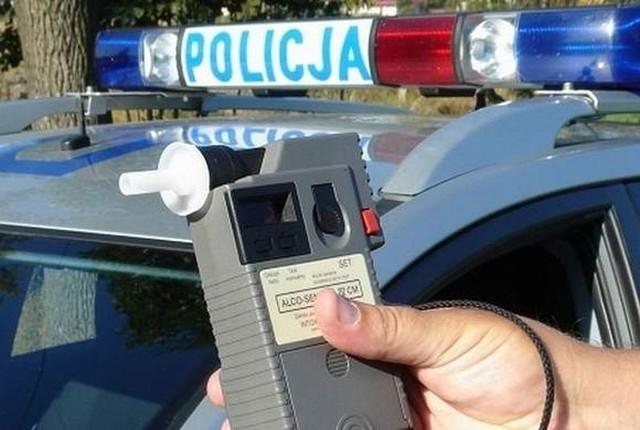 Pijany kierowca uciekał przed policją z 6-letnią córką.
