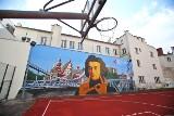 Nowy mural na ścianie wrocławskiego liceum będzie pochłaniać smog [ZDJĘCIA]