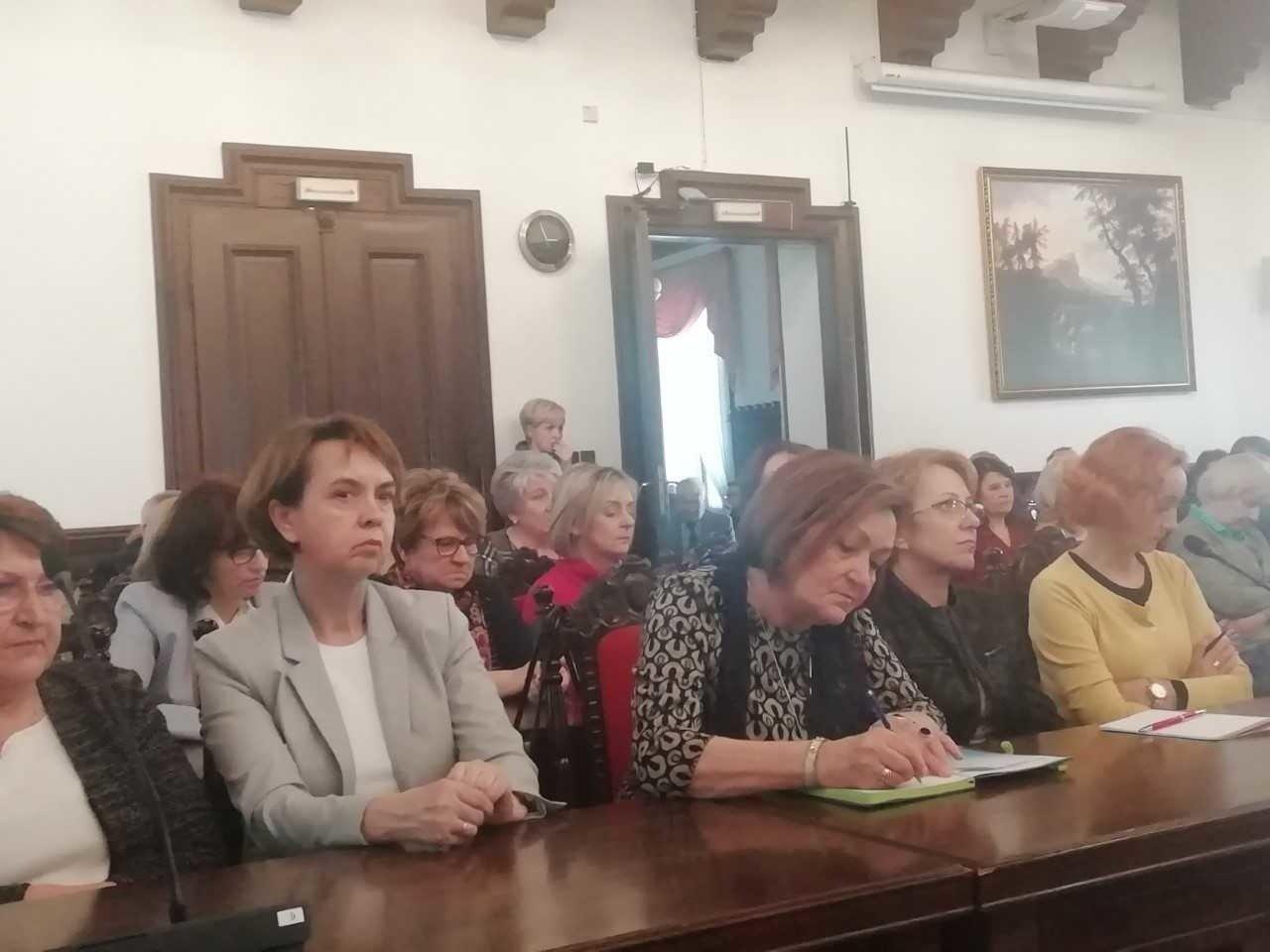 622be677fe069 Strajk nauczycieli w Rzeszowie. Dyrektorzy szkół: Nasi nauczyciele ...