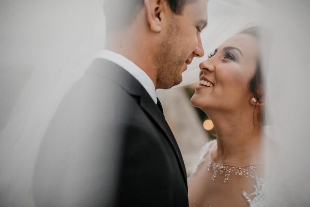Organizacja ślubu i wesela jest dla każdej panny młodej nie lada wyzwaniem i stresem. Dodatkowo wszelkie dobre rady i komentarze dotyczące tego dnia mogą ją rozzłościć!