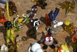 Pieski, szop, krab, a nawet modliszka! Piękne figurki na giełdzie w Sandomierzu [WIDEO, ZDJĘCIA]