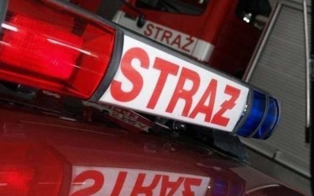 W Kozienicach strażacy musieli między innymi zabezpieczyć uszkodzony dach w jednym z budynków gospodarczych w gminie Sieciechów.