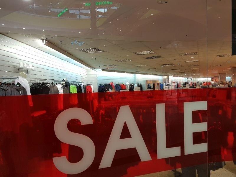 cd7d01fd9ff461 Wyprzedaże! Obniżki cen w sklepach przyciągnęły łodzian na zakupy ...
