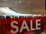 Wyprzedaże! Obniżki cen w sklepach przyciągnęły łodzian na zakupy