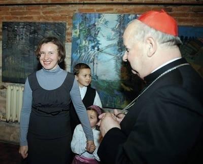 Małgorzata Górnisiewicz-Locher i kardynał Stanisław Dziwisz Fot. Wacław Klag