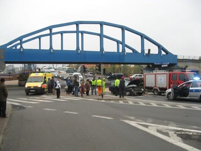 Do kolizji doszło przy zjeździe z mostu Staromiejskiego
