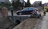 Nieczajna k. Dąbrowy Tarnowskiej. Wypadek quada. Pojazd uderzył w betonowy przepust i zaparkowany na nim samochód [ZDJĘCIA]