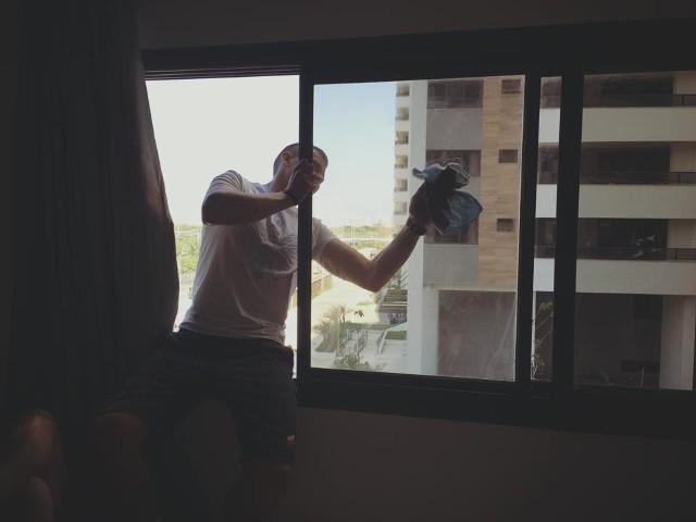 Polak żadnej pracy się nie boi, więc Artur Mikołajczewski i wioślarze pobyt w Rio rozpoczęli od generalnych porządków.
