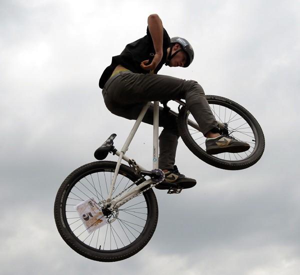 Downtown Przemyśl 2010 - cz. 2W Przemyślu trwają zawody w ekstremalnej jeLdzie na rowerze.