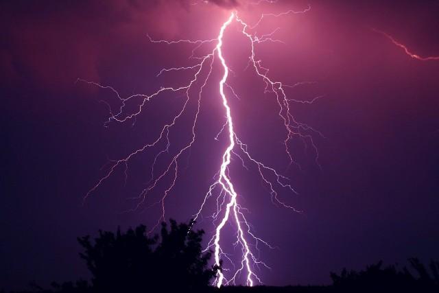 W poniedziałek i wtorek uważajmy na burze z gradem!