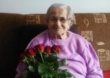 Teodora Tokarczyk właśnie skończyła 100 lat. Stulatka lubi odpoczywać w ogrodzie i wspominać dalsze i bliższe podróże