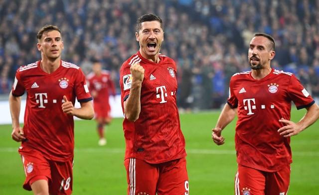Schalke - Bayern 0:2. Radość Lewandowskiego po golu