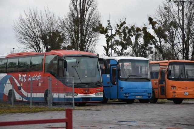 PKS Grudziądz zlikwidował połączenie na trasie Wąbrzeźno - Grudziądz. Z niego korzystali głównie uczniowie dojeżdżający do szkół.