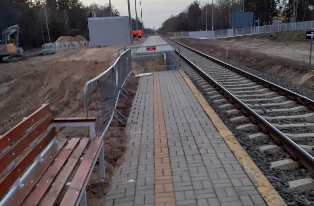Peron nr 1 w Lewkach, przy linii kolejowej do Czeremchy dotychczas nie był przebudowywany. Obecnie trwają prace mające na celu podwyższenie peronu, aby łatwiej był dostępny i odpowiednio wyposażony. Zakończenie robót planowane jest na lato tego roku.