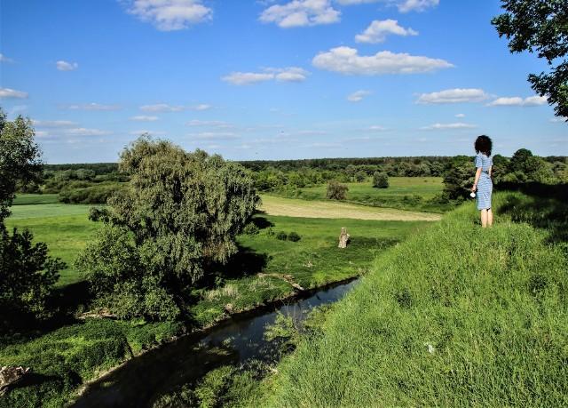 Widok z Gródka Nadbużnego na okoliczne pola