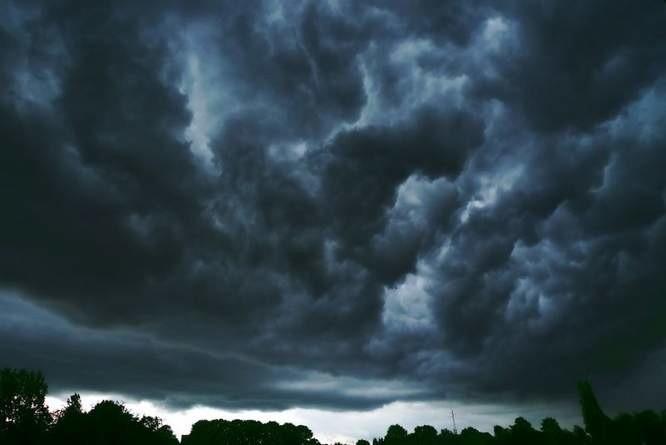 Synoptycy ostrzegają. Od godz. 16 w regionie mogą pojawić się burze z gradem.