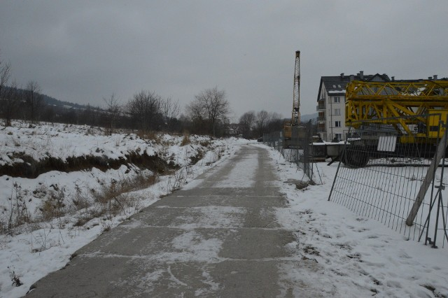 Tak dziś wygląda ulica Solidarności na odcinku między ul. Dunin-Brzezińskiego a kościołem