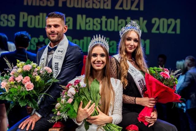 Tak prezentowali się finaliści i zwycięzcy tegorocznej edycji konkursów Miss Podlasia, Miss Podlasia Nastolatek i Mistera Podlasia. Czyż nie wyglądają przepięknie?