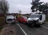 Wypadek na drodze krajowej 20 w Glinczu 30.03.2021 r. Dwie osoby w szpitalu