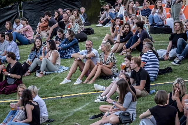 Piątkowy koncert zespołu Sorry Boys zainaugurował Letnie Brzmienia w parku Starego Browaru. W kolejnych tygodniach zagrają między innymi Brodka, Ania Dąbrowska i Kwiat Jabłoni. Tymczasem już w sobotę zagra grupa LemON.Kolejne zdjęcie -->