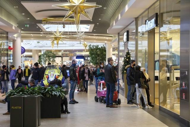 Galerie handlowe znów otwarte