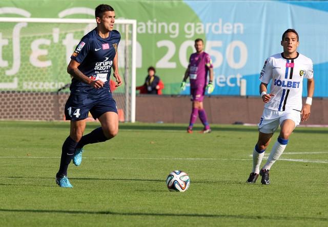 Wojciech Golla (z lewej) mecz z Cracovią zaliczy do udanych.
