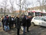Antysmogowy happening w Sosnowcu. 35 aut kontra autobus ZDJĘCIA