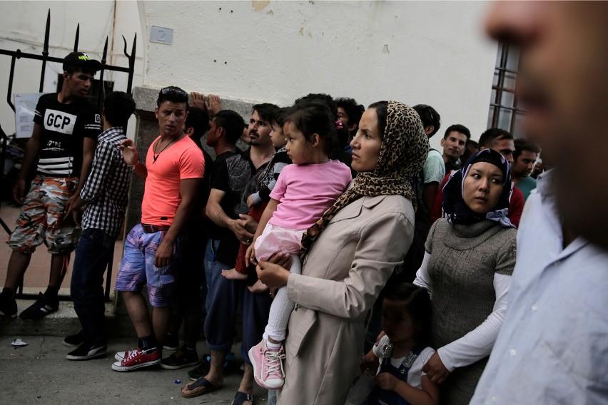 UE zaostrzy politykę wobec imigrantów? KE chce odciążyć Grecję i Włochy