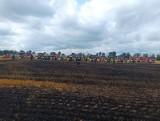 Pożar pól pod Słupskiem! 18.07.2021 r. Spłonęło 35 hektarów upraw. Gasić ogień musiało aż 19 zastępów strażaków