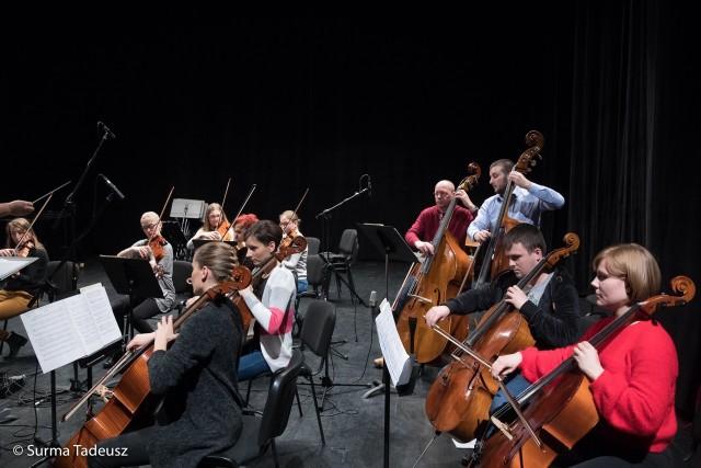 Orkiestra Camerata Stargard miała próbę generalną przed koncertem inauguracyjnym w Stargardzkim Centrum Kultury.