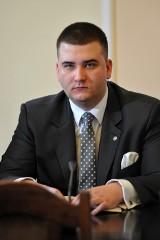 Bartłomiej Misiewicz stracił posadę w Polskiej Grupie Zbrojeniowej. Dostanie odprawę?