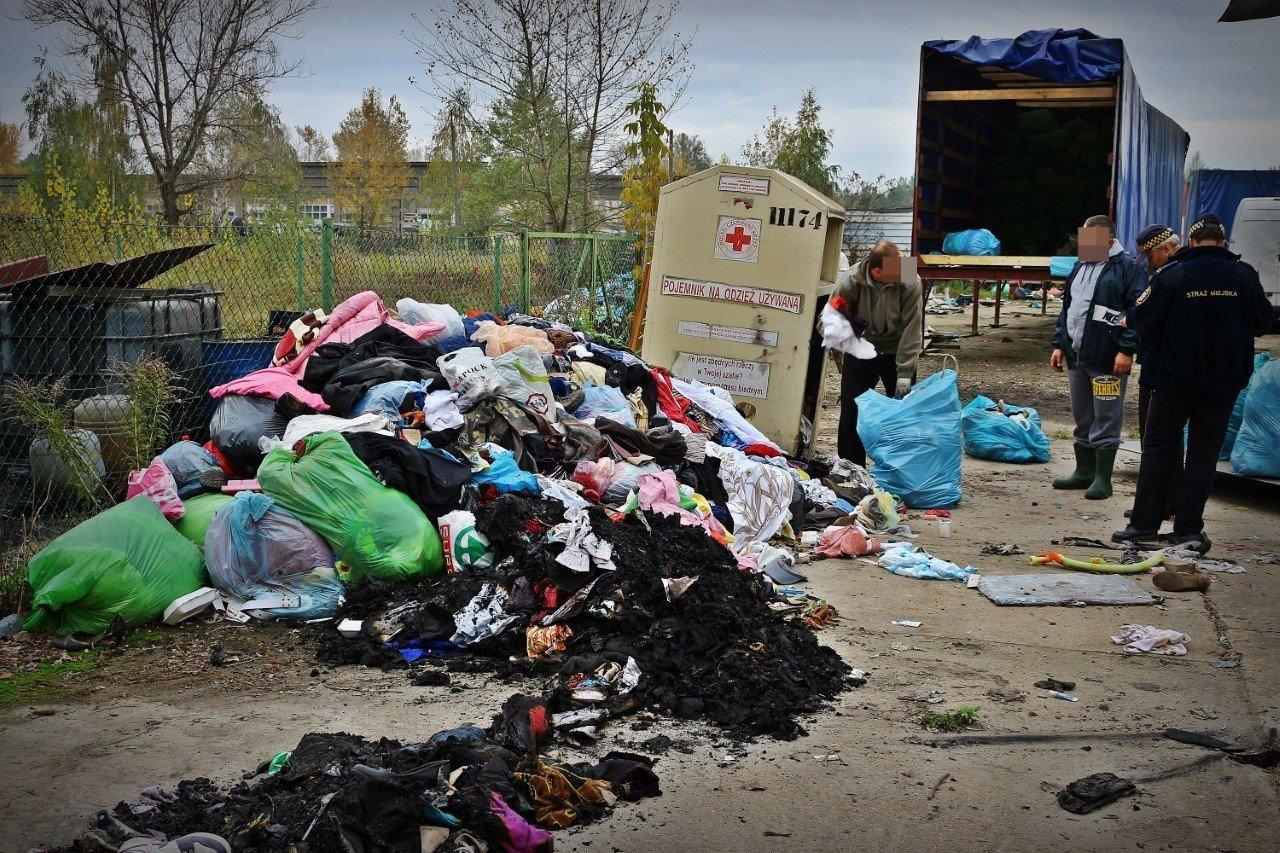 ecbadd8e6 Zobacz co się dzieje z ubraniami z kontenerów PCK   Gazeta Wrocławska