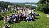 Czytelnicy z Masłowa na wyjeździe w Kazimierzu Dolnym. Czytali na Górze Trzech Krzyży