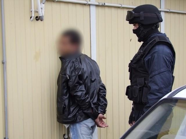 Zatrzymanie sutenerów przez wielkopolską policję.