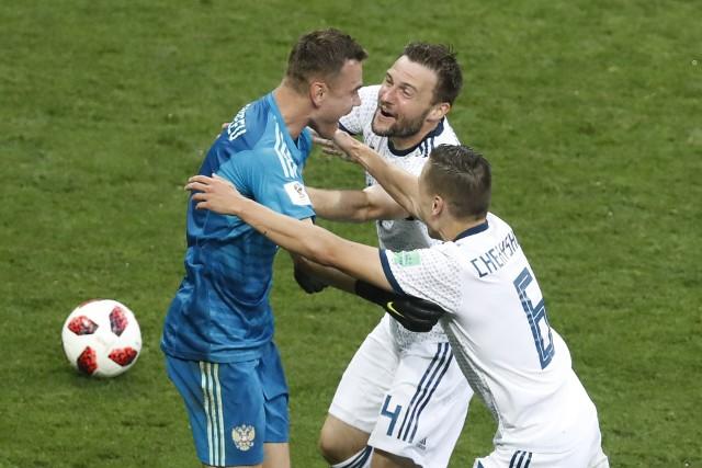 Rosja pokonała Hiszpanię po rzutach karnych i zagra w ćwierćfinale mistrzostw świata